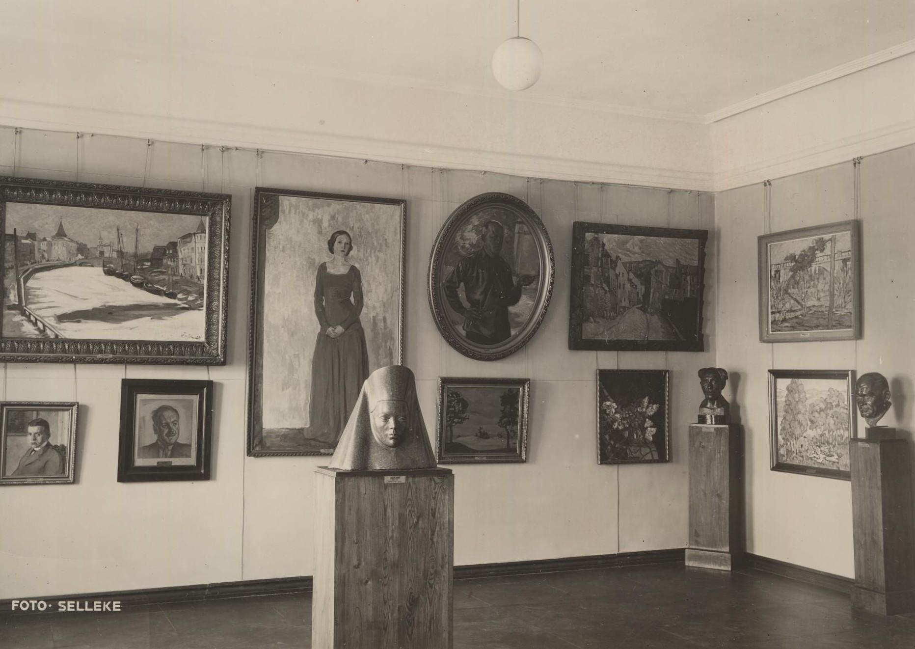 """""""Noor-Eesti"""" tuba 1942. a märtsis. Foto Eduard Selleke."""
