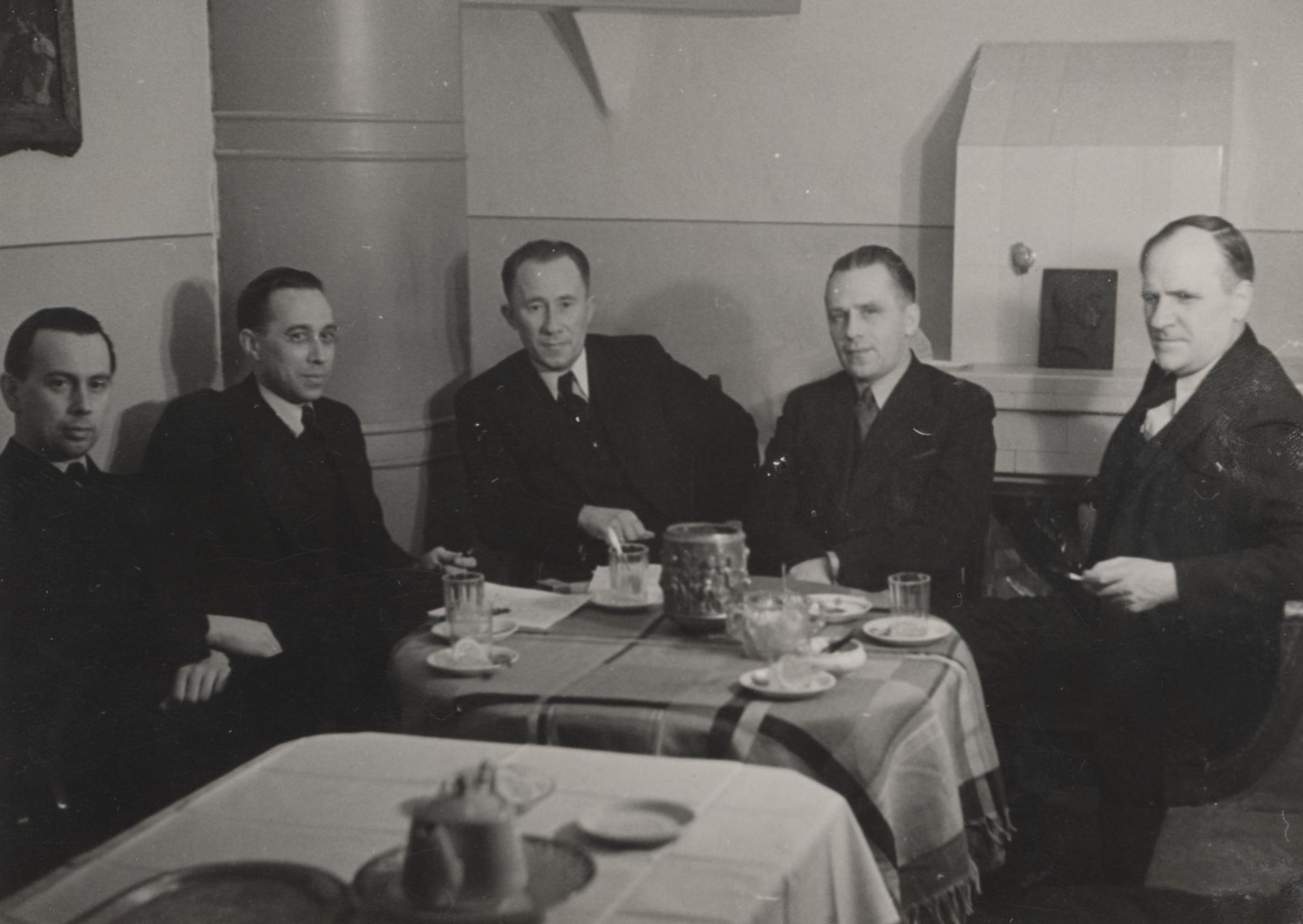 "Meeting of the museum's organizing committee in the ""Palla"" art school on 18 March 1940. From left: Ilmar Lill, Jaan Kitzberg, Juhan Püttsepp, Elmar Roots, Anton Starkopf."